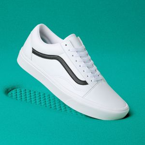 Zapatillas-Ua-Comfycush-Old-Skool--Classic-Tumble--True-White